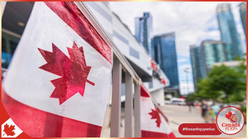 Người nhập cư Canada tăng lên trong khi dân số thế giới giảm mạnh