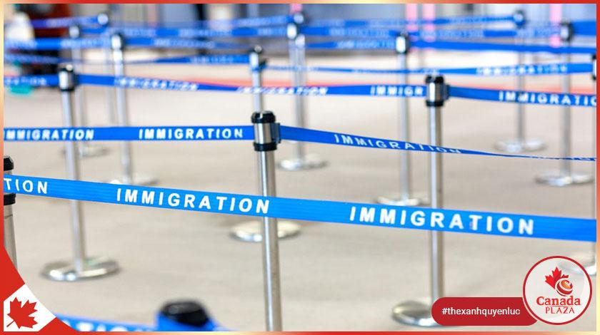 Canada vẫn trên đà chào đón 401.000 người nhập cư trong năm 2021