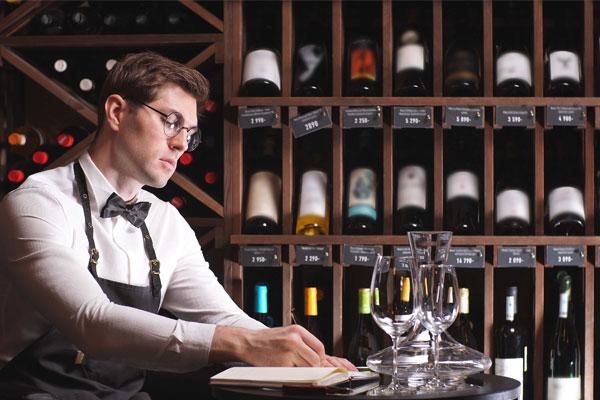 Giám sát cửa hàng rượu