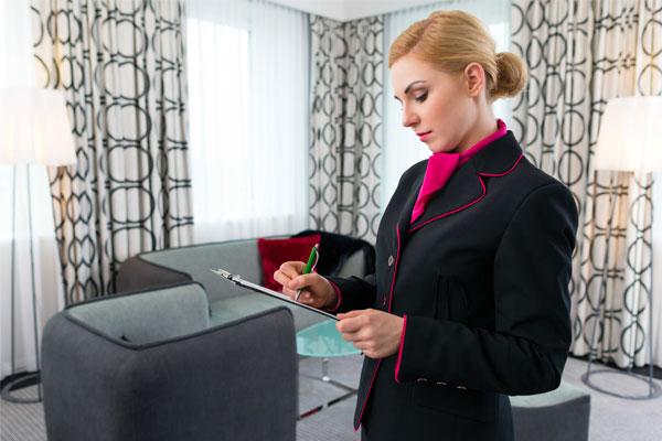 Giám sát khách sạn
