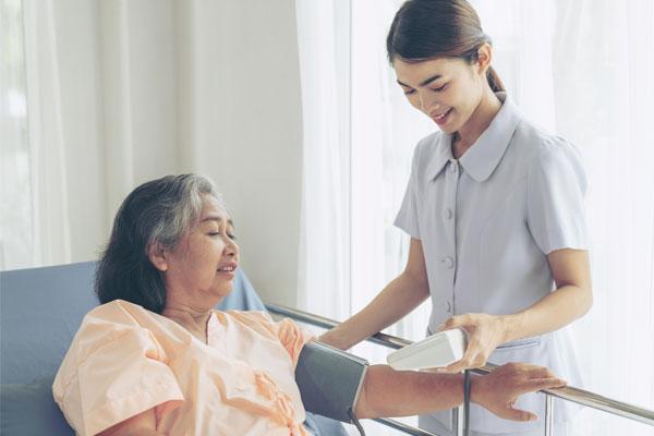 Phụ tá chăm sóc sức khỏe
